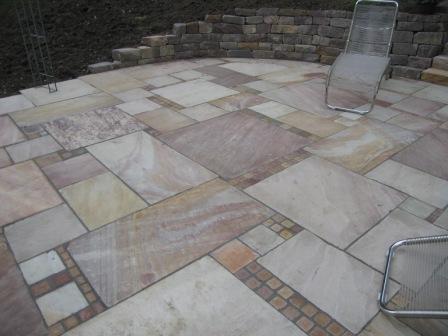 Gartenplatten naturstein